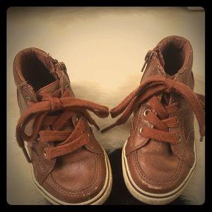 Cat & Jack Florian midtop leather sneaker